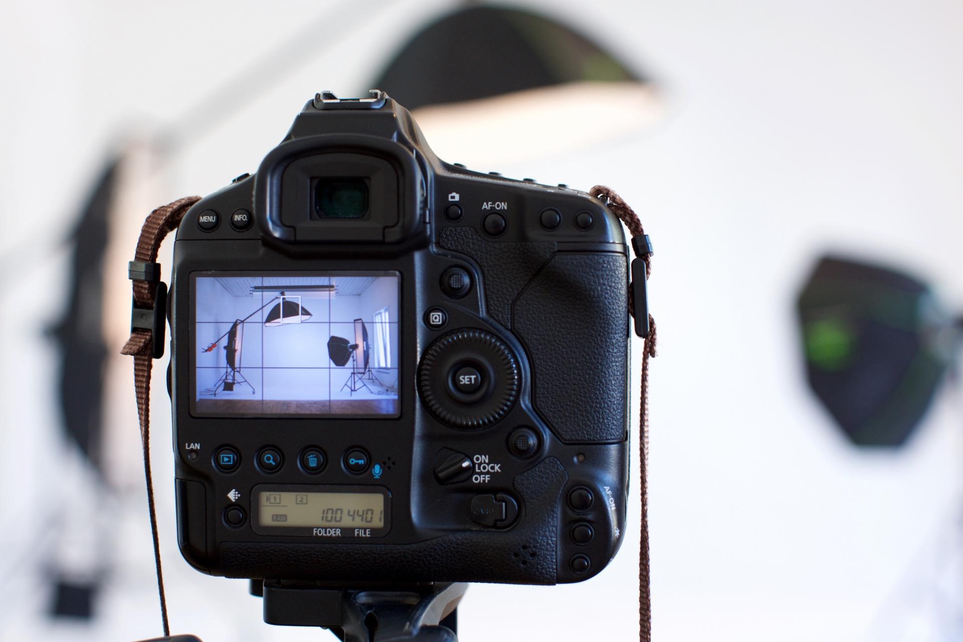 遠隔授業やライブストリーミングに必要なカメラとは